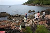 Dọn rác biển ở Bán đảo Sơn Trà