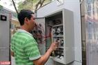 Hệ thống điện của buồng khử khuẩn toàn thân được làm khá đơn giản và có chi phí thấp.