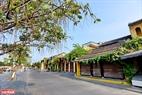 A quiet street next to the Hoai river. Photo: Thanh Hoa