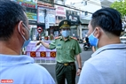 Major General Vu Xuan Vien said that the city would try the best to accompany people in social distancing.