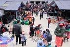 Có hàng ngàn lượt người đến Sà Phìn mỗi lần chợ họp.