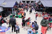 Phiên chợ Sà Phìn