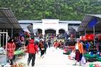Phiên chợ lùi Sà Phìn nét độc đáo của miền cao nguyên đá Hà Giang.