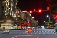 Giữa đêm, TP.HCM chính thức giãn cách xã hội toàn thành phố