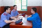 Kiểm sát viên VKSND tỉnh Quảng Ninh, thực hiện nhiệm vụ, góp phần đảm bảo việc truy tố đúng người, đúng tội.
