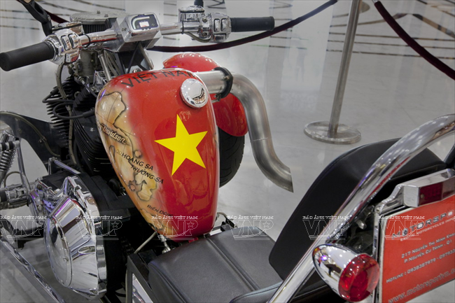 The Vietnamese Soul on A Roadstercycle - Vietnam Pictorial