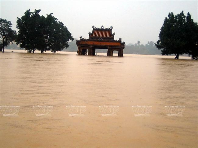 Kết quả hình ảnh cho flood in hue