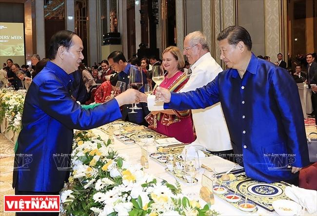 Gốm sứ Minh Long tạo ấn tượng tại Hội nghị APEC