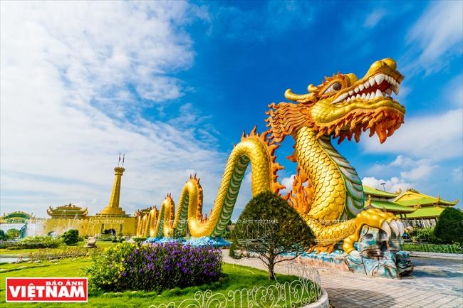 Dai Nam Wonderland - Vietnam Pictorial