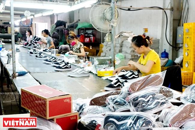 dong hung group footwear vietnam sneakers manufacturer