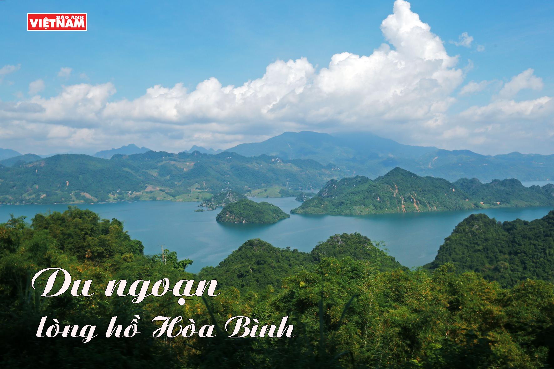 Du ngoạn lòng hồ Hòa Bình
