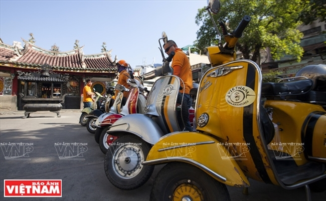 Touring Saigon on Vespas