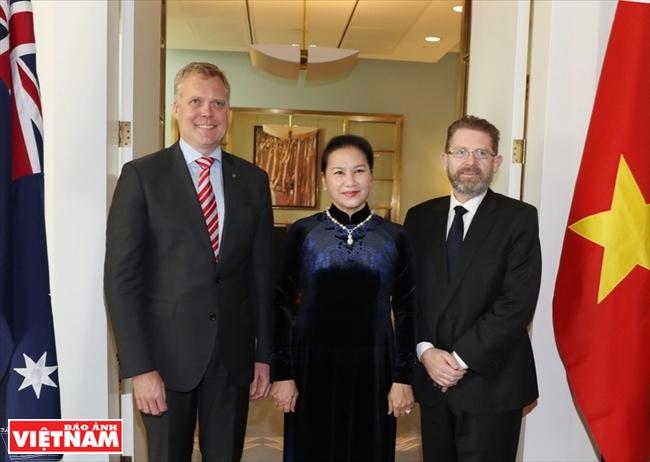 La présidente de lAN  termine avec succès ses visites à Singapour et en Australie