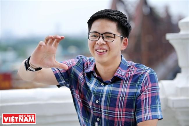 Молодой вьетнамский профессор с 10 американскими патентами