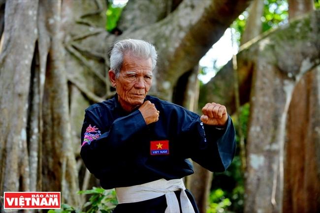 Le Grand Maître Phi Long un Dragon au refuge