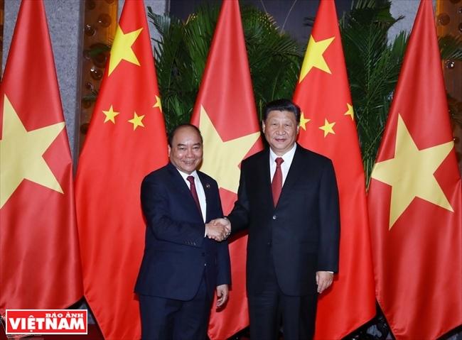 ベトナム・中国:政治関係、外交関係、経済関係を連続に促進