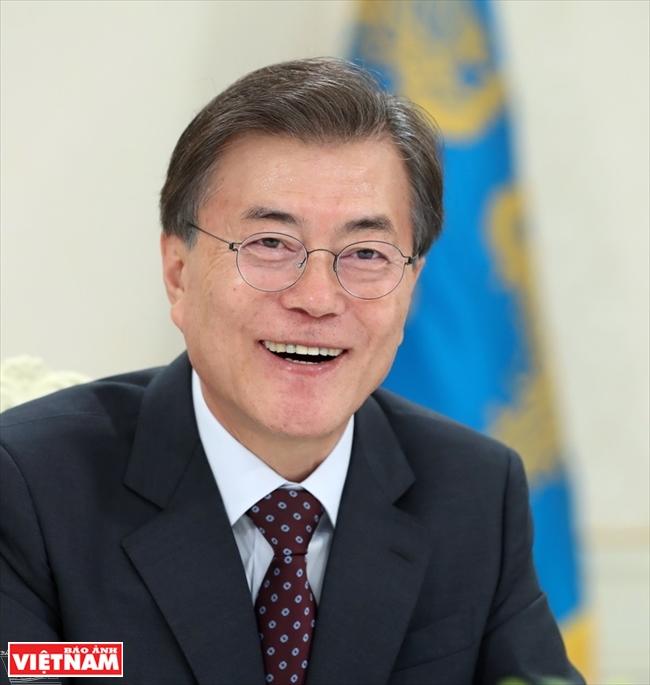문재인 대한민국 대통령 양국의 전략적 협력동반자관계가 가일층 격상될 것을 희망