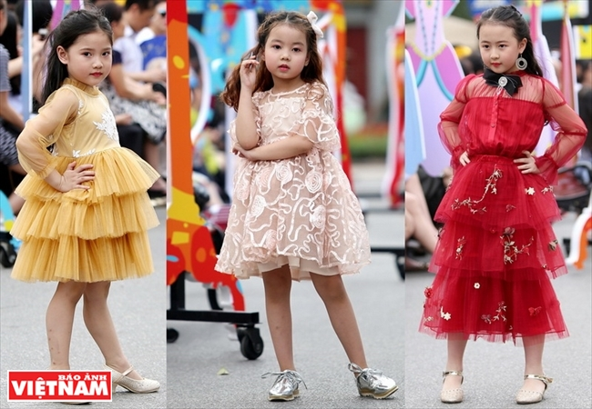 Eyecatching summer wear for children