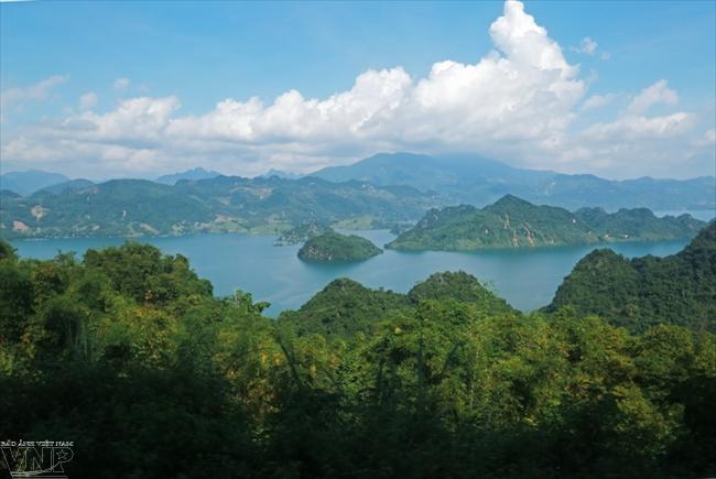 Voyage au lac de Hoa Binh