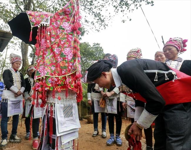 붉은'자오(Dao)소수민족의 결혼식