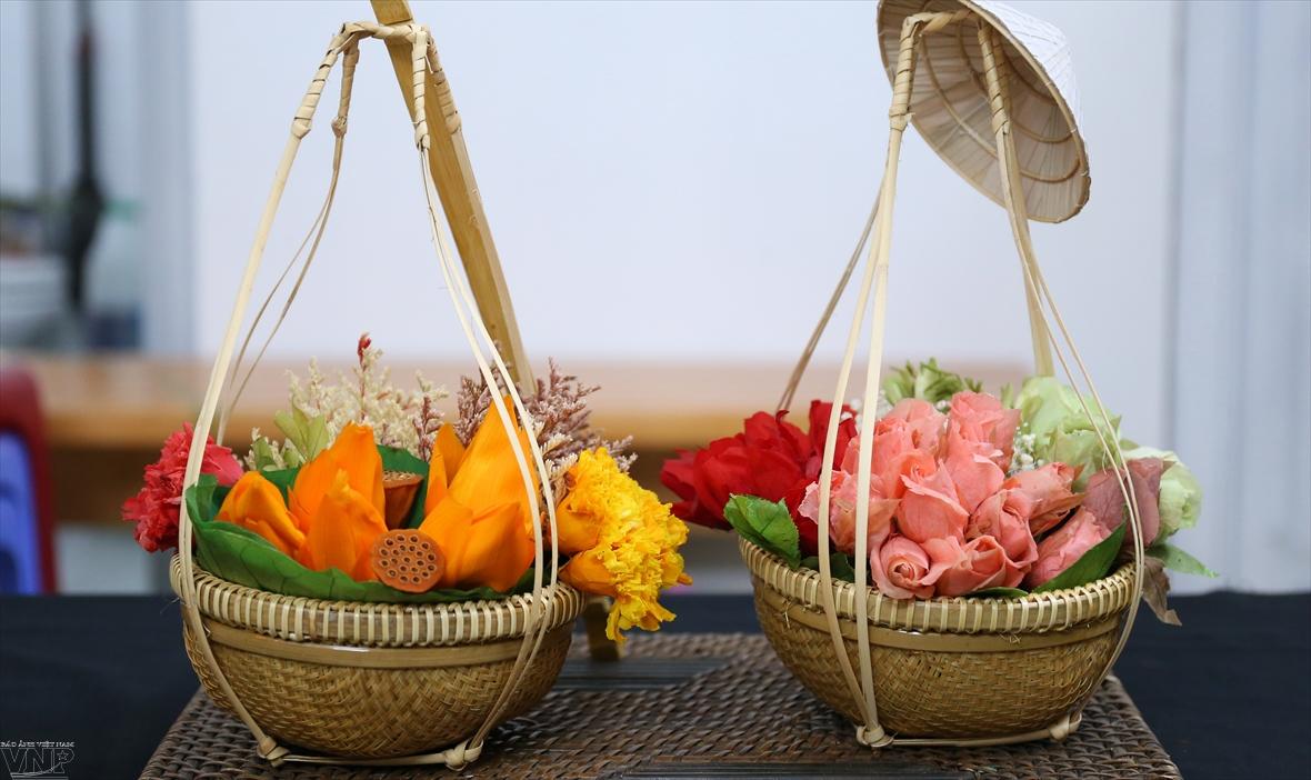 영원한 꽃에 베트남의 넋을 살리다.