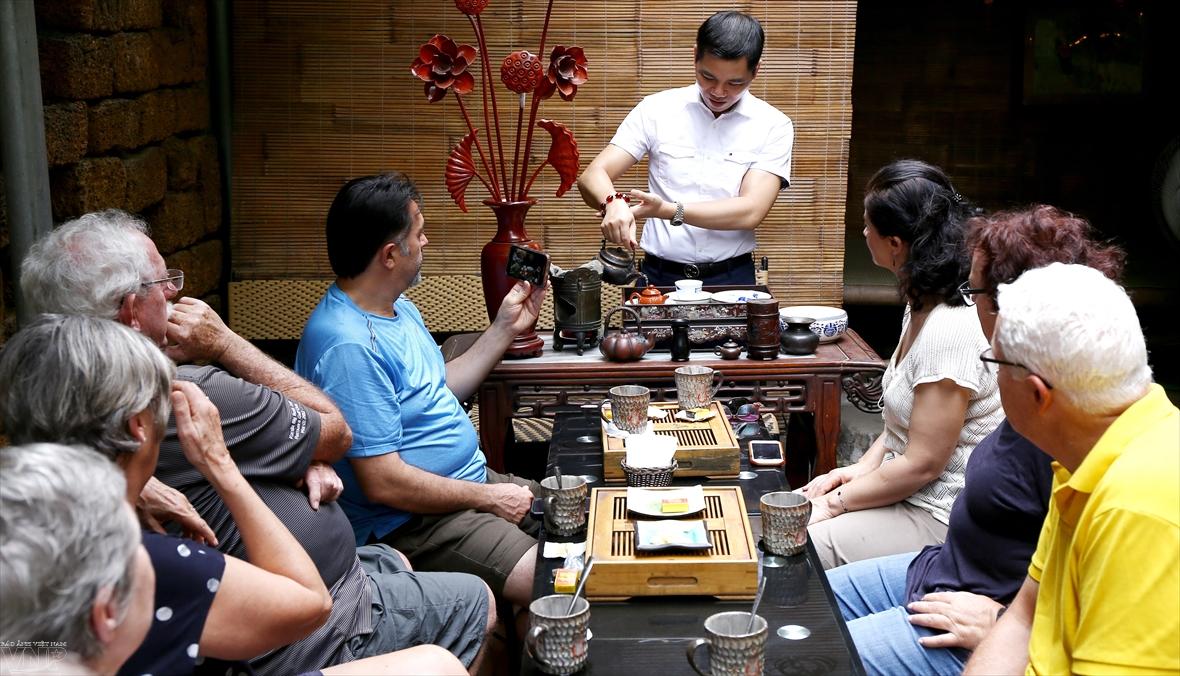 Hiên trà Trường Xuân và câu chuyện đạo trà Việt