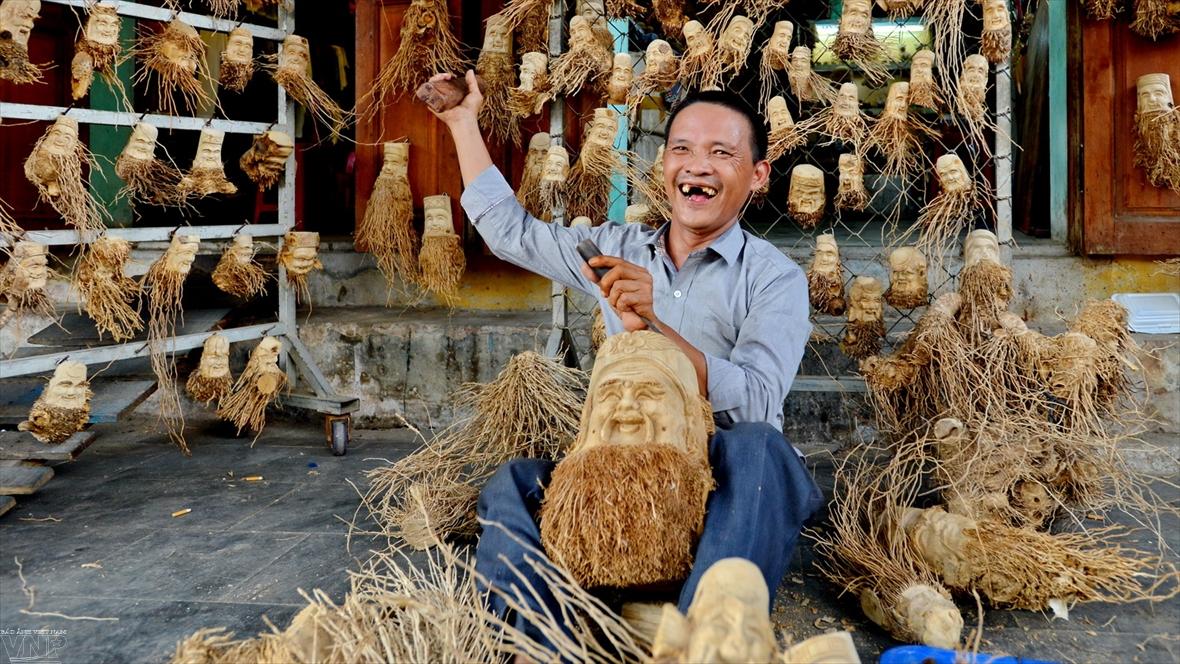 Уникальные скульптуры из корня бамбука