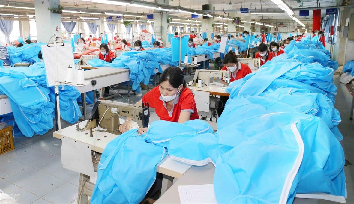 코로나-19 이후 경제 회복을 위해 노력하는 베트남
