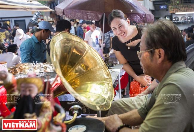 西贡古玩集市